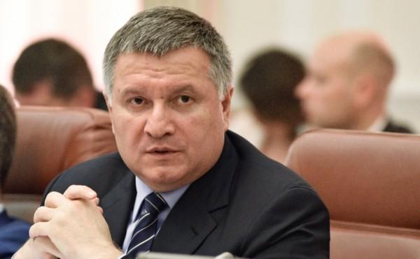 Аваков объявил о нарушениях закона у всех кандидатов в президенты Украины