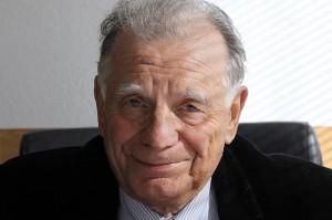 Простите, Жорес Иванович... Ученые в России проиграли «светским львицам»