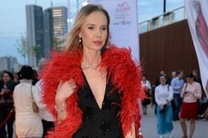 Экс-жену бывшего депутата раскритиковали за слова об элитных ресторанах