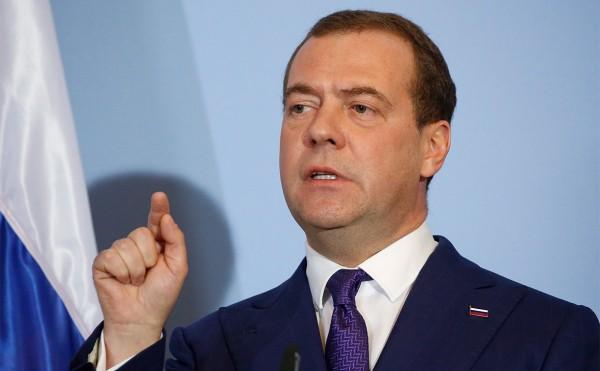 Медведев связал дело Абызова с его конфликтом с кредиторами