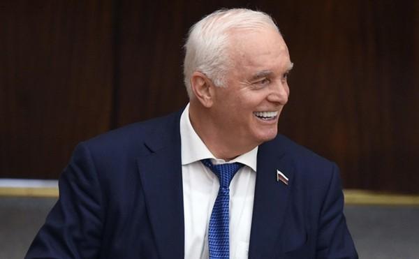 КПРФ решила передать мандат депутата Госдумы бизнесмену Берулаве