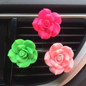 Ученые: освежители воздуха с ароматом роз в машинах уменьшают количество аварий