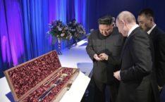 «Надо было поцеловать»: Путин глупо опозорился с подарком для Ким Чен Ына, сеть оценила