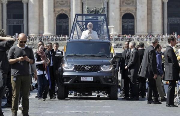 Папа может: УАЗ Пикап снялся в продолжении культового сериала «Молодой Папа»