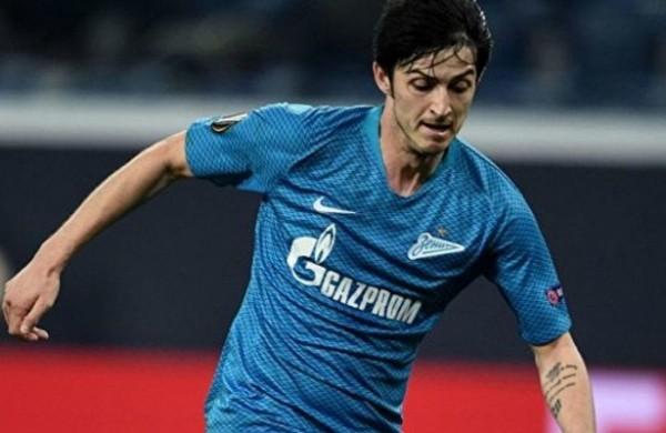 Футболист «Зенита» Азмун рассказал, какспасал людей вИране