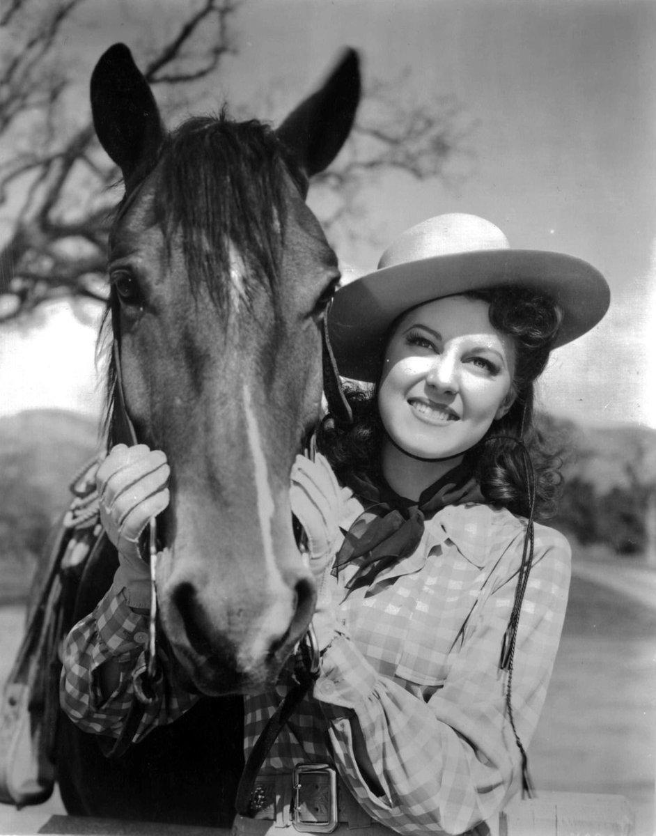 Ушла из жизни легендарная голливудская актриса (фото)