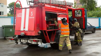 16 человек тушили два пожара в Кузбассе
