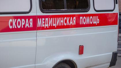 Женщину обнаружили под окнами дома на бульваре в Кемерове