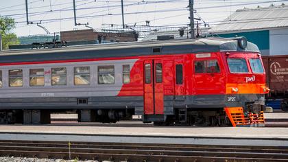 Три человека пострадали при столкновении поезда с автомобилем в Карелии