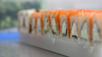 Кемеровскую службу доставки наказали за подозрительные суши