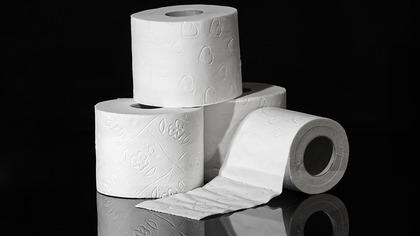 Кузбассовец получил посылку с туалетной бумагой вместо коллекционных монет