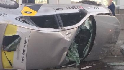 Новокузнечанин вытащил из перевернувшейся легковушки окровавленного водителя
