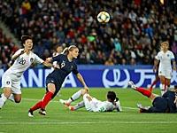 Матч открытия чемпионата мира: француженки разгромили сборную Южной Кореи