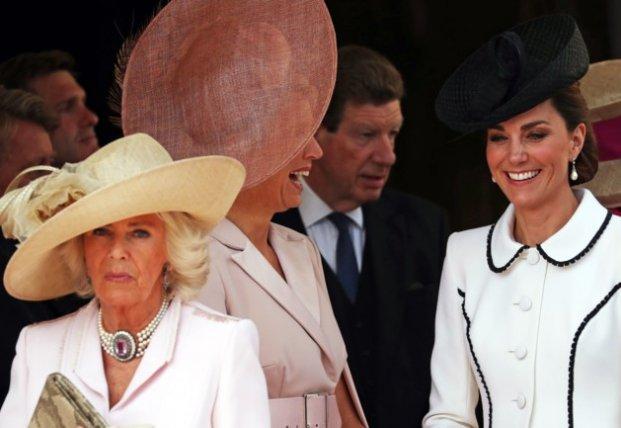 Кейт Миддлтон, Камилла и Летиция в элегантных платьях посетили торжество в Лондоне (фото)