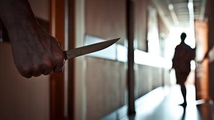 Кемеровчанин с ножом ограбил знакомого из-за долга