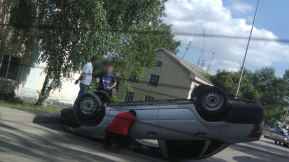 Подрезали и скрылись: ДТП с перевертышем произошло в Кузбассе