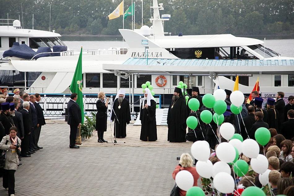 На яхте патриарха Кирилла заметили