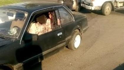 Грузовик и легковушка столкнулись в Кузбассе: поиск свидетелей