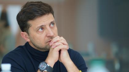 Нарколог объяснил странное поведение Зеленского на совещании