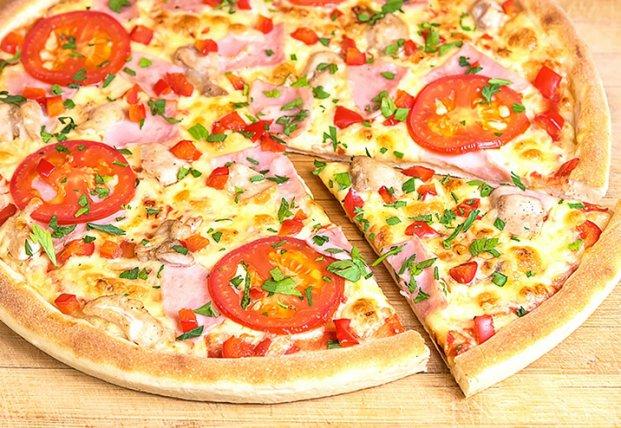 В киевской сети пиццерий посетителей кормили опасной для здоровья пиццей