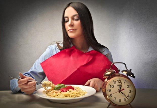 Cладкое не запрещено: что можно и что нельзя есть на ночь