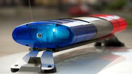 Тело мужчины обнаружили на газоне в Кемерове