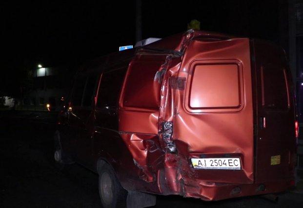 Под Киевом водитель фуры перепутал педали и протаранил пять машин (видео)
