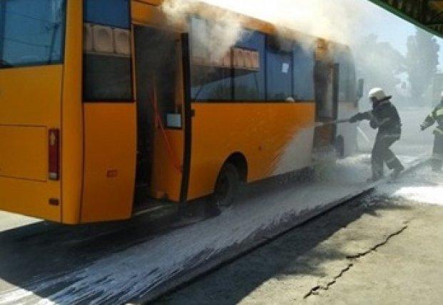 В Тернополе на ходу загорелась маршрутка