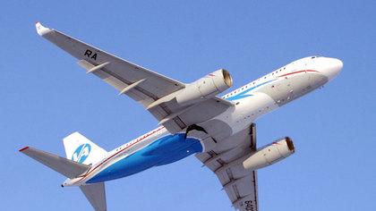 Летевший в Новосибирск авиалайнер совершил вынужденную посадку в Екатеринбурге