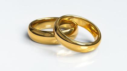 Молодых родителей в Тюмени будут женить прямо в роддомах