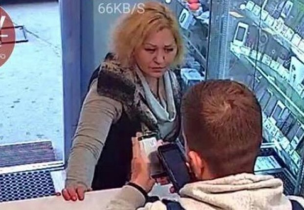 Воровка-аферистка попала на камеры киевского магазина (видео)