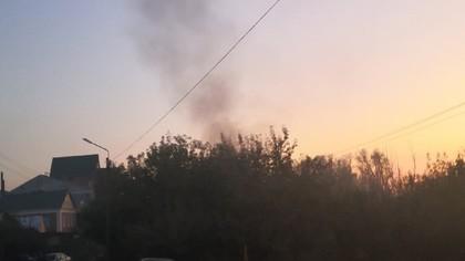 Густой дым возле крупного торгового центра напугал кемеровчан