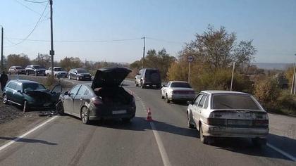 Два человека травмировались при столкновении иномарок на кузбасской трассе