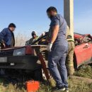 Автомобиль намотался на столб в результате ДТП в Кузбассе