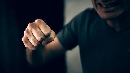 Подросток ограбил мужчину на улице Новокузнецка