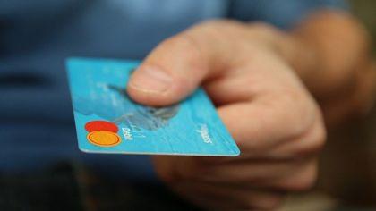 Подросток из Кузбасса предстанет перед судом за кражу денег с карты знакомой