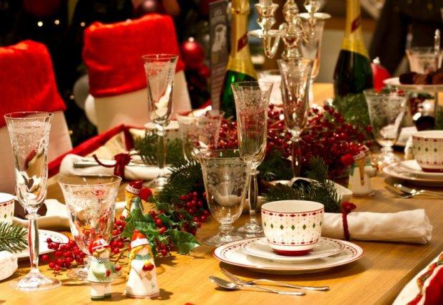 Меньше жиров и не смешивайте алкоголь: как не навредить здоровью во время праздиков