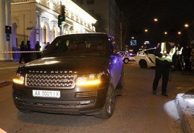 Невинная жертва взрослых игр: страшные детали убийства ребенка в Range Rover в Киеве (видео)