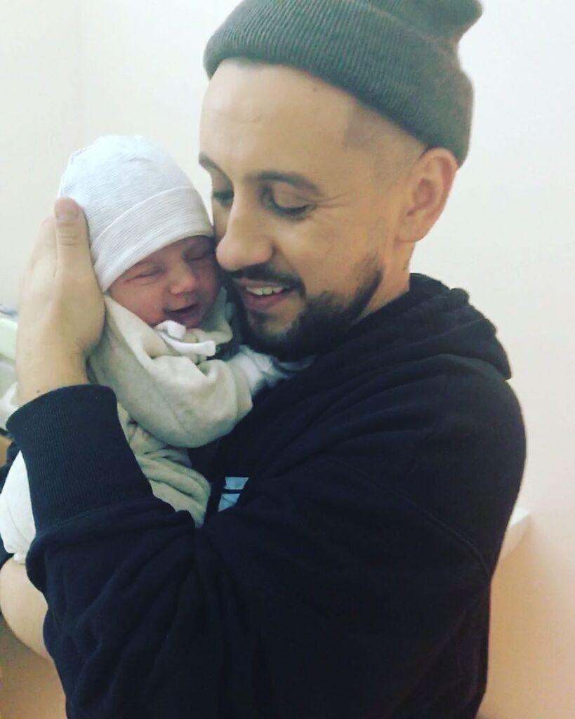 MONATIK впервые показал сына (фото)