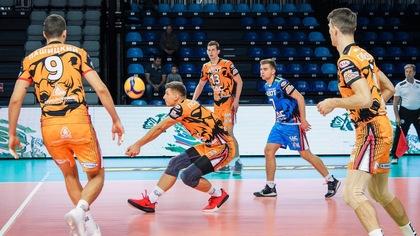 Волейболисты Кузбасса начали с победы борьбу за кубок Сибири