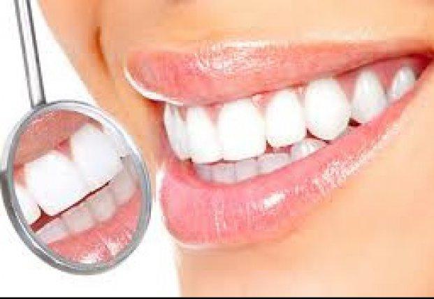 Названы продукты, которые ухудшают цвет зубов