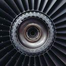 Самолет SSJ-100 экстренно сел в Шереметьево из-за проблем с двигателем