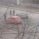 Автомобили перегородили дорогу около кемеровского Парка Ангелов