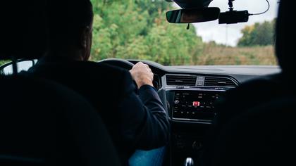 Кузбассовец купил чужие водительские права за 40 000 рублей