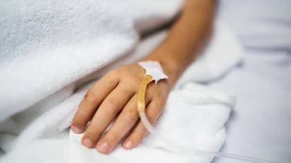 Житель Междуреченска заразился COVID-19 от медработника