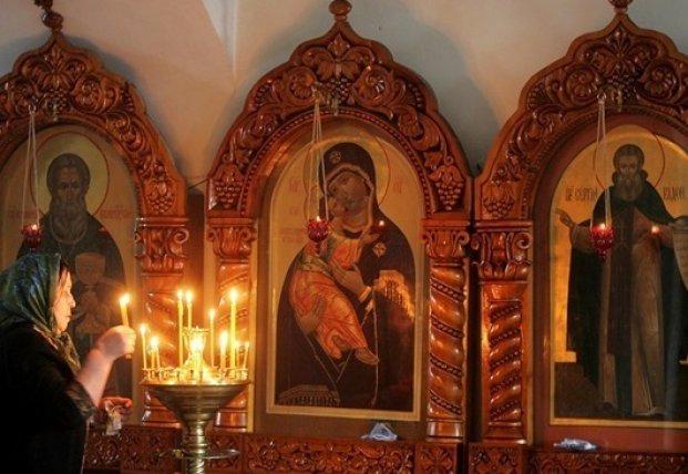 Кабмин может пересмотреть карантинные меры в церквях