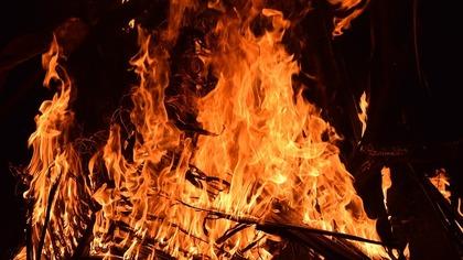 Частный жилой дом загорелся в Киселевске