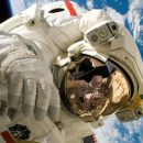 Американские астронавты перешли с Crew Dragon на МКС