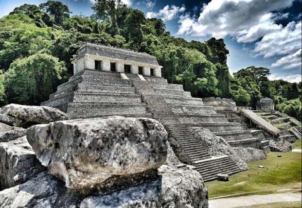В Мексике из земли возникла 1700-летняя гробница
