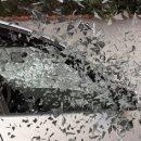 Автомобиль въехал в припаркованную машину в кузбасском городе
